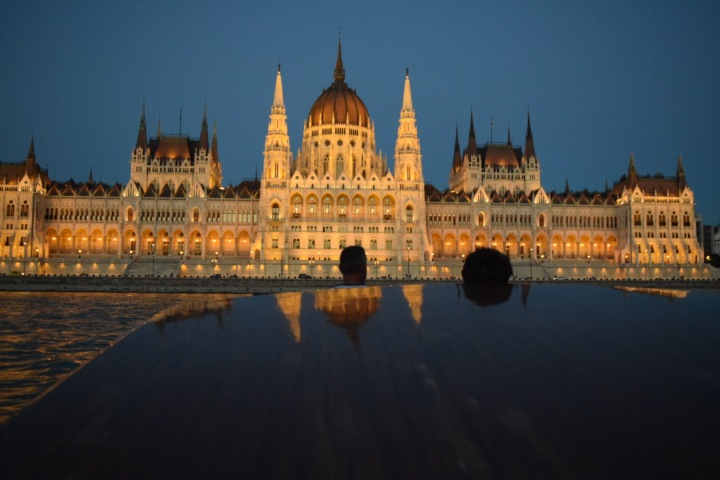 danube river cruise parliament